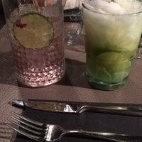 Photo prise au Noa Resto-Lounge-Bar par Ilke D. le2/12/2017