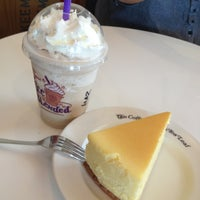 Photo taken at The Coffee Bean & Tea Leaf by Littlesquid ร. on 7/2/2013