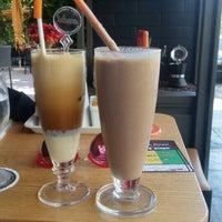Photo taken at Mikel Coffee Company by Xrisanthemo Spirelina K. on 6/5/2016