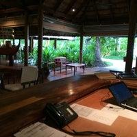 Photo taken at Athiri Lounge by Hussen F. on 5/4/2014