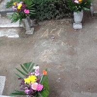 Photo taken at Panteon Frances by Omar on 5/6/2014