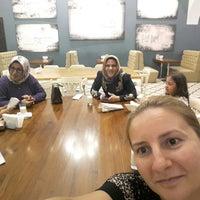 8/16/2017 tarihinde Öcal B.ziyaretçi tarafından Meclis Künefe & Cafe'de çekilen fotoğraf