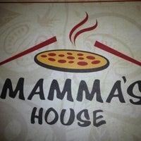 Foto tirada no(a) Mamma's Pizza por Alessandro N. em 10/31/2012