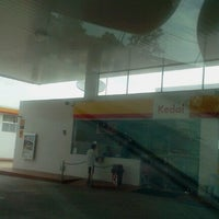 Photo taken at Shell Lahat by Tiee S. on 11/4/2012