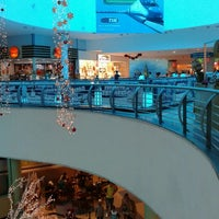 Photo taken at Internacional Shopping Guarulhos by Marcos D. on 12/27/2012
