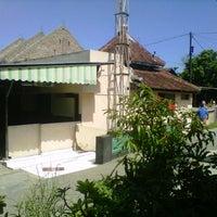 Photo taken at Masjid Ya'Qubiyyah by Gatot I. on 7/19/2013
