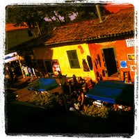 Photo taken at Feira de Artesanato de Embu das Artes by Leonardo C. on 8/4/2013
