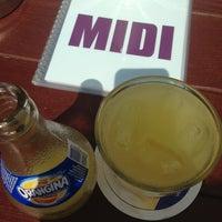 Das Foto wurde bei Café MIDI von DaLaL A. am 7/4/2013 aufgenommen