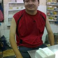Photo taken at Phở Lâm Nam ngư by Thuận Hoàng on 10/7/2012