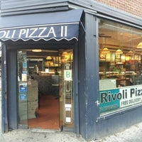 Снимок сделан в Rivoli Pizza пользователем Joseph A. 11/13/2012