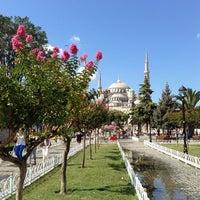 Foto diambil di Sultanahmet Meydanı oleh Serra S. pada 7/22/2013