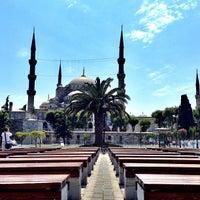 Снимок сделан в Голубая мечеть пользователем Serra S. 7/9/2013