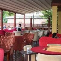 4/9/2013 tarihinde Serra S.ziyaretçi tarafından Son Osmanlı Nargile Cafe'de çekilen fotoğraf
