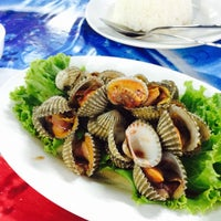 Photo taken at Thai Mixed Taste Restaurant by ppampnks ♥. on 9/13/2016