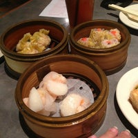 Photo taken at Golden Wok Chinese Restaurant by Danielle D. on 1/27/2013