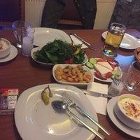 Photo prise au Altin Fici Pub Ocakbasi Restaurant par Köksal K. le2/21/2016