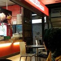 Photo taken at Sugar Bun Cafe by Fahizul A. on 8/31/2013