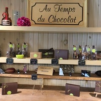 Photo taken at Adorable chocolat by Marie-Julie G. on 8/20/2016