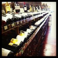 Photo prise au K&L Wine Merchants par Marion G. le7/20/2013
