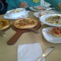 Photo taken at Pizza Hut by Affan F. on 6/16/2015