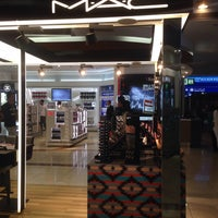 Photo taken at MAC Cosmetics by Yana R. on 6/26/2016