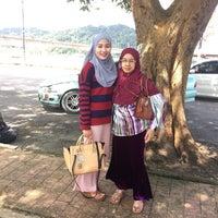 Photo taken at Pasar Besar Dungun by zielahsndn on 1/8/2017