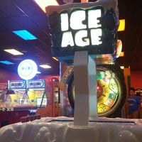 Photo taken at Peter Piper Pizza by Perro L. on 7/19/2015