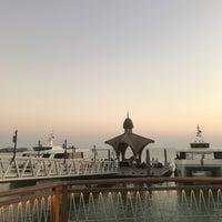 Photo taken at Banana Island Resort Doha by Anantara by Fajer A. on 10/26/2017