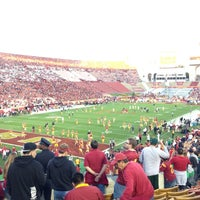 Photo taken at Los Angeles Memorial Coliseum by Lucyn W. on 11/25/2012