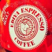 Photo taken at EDIYA COFFEE by 917 on 11/26/2013