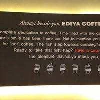 Photo taken at EDIYA COFFEE by 917 on 9/13/2013