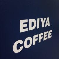 Photo taken at EDIYA COFFEE by 917 on 10/1/2013
