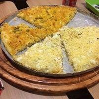 Photo taken at Restaurante e Pizzaria Atlântico Express by Mirella R. on 10/20/2015