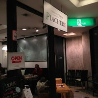 Photo taken at ワインとイタリア料理 PIACHERE by Miho K. on 12/31/2012