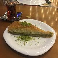 รูปภาพถ่ายที่ Şirazen Döner โดย Serkan U. เมื่อ 11/14/2017
