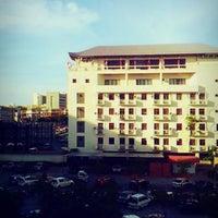 Photo taken at DeLeeton Hotel by sabrih s. on 8/26/2013