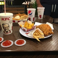 Photo taken at KFC by Nazim .. on 10/28/2017