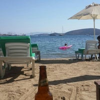 Photo taken at Alora Beach Club by Oktay Ç. on 7/13/2016