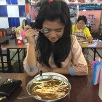 Photo taken at ร้านป้ายชมพู by ไมลด์ โ. on 12/4/2015