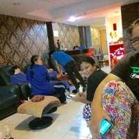 Photo taken at Blue Spa & Massage by NonaWallaweyh on 5/18/2015