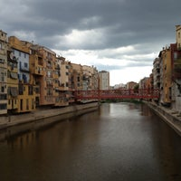 Photo prise au Girona par Effie D. le5/4/2013