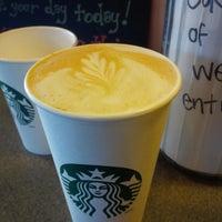 Photo taken at Starbucks by Wellington W. on 10/12/2013
