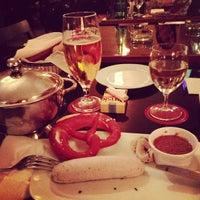 Das Foto wurde bei Cafe Engländer von Michael V. am 9/22/2012 aufgenommen