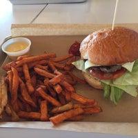 Photo taken at MOOYAH Burgers, Fries & Shakes by Lubka M. on 10/25/2014