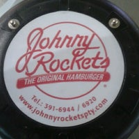 Foto tomada en Johnny Rockets  por Ronald D. el 9/24/2012