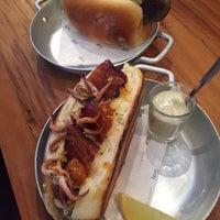 Foto tirada no(a) Town Sandwich Co. por Bernardo B. em 9/11/2015