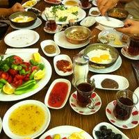 8/23/2013 tarihinde Ayşe K.ziyaretçi tarafından Van Kahvaltı Evi'de çekilen fotoğraf