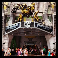 Foto tirada no(a) Transformers The Ride: The Ultimate 3D Battle por Jenny C. em 9/14/2012