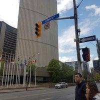 Foto tirada no(a) Downtown Toronto por Diego V. em 5/16/2017