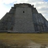 Foto tomada en Zona Arqueológica de Uxmal por Mario J. el 1/1/2013
